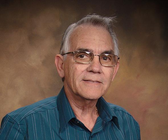 El escritor cubano Manuel Gayol Mecías.
