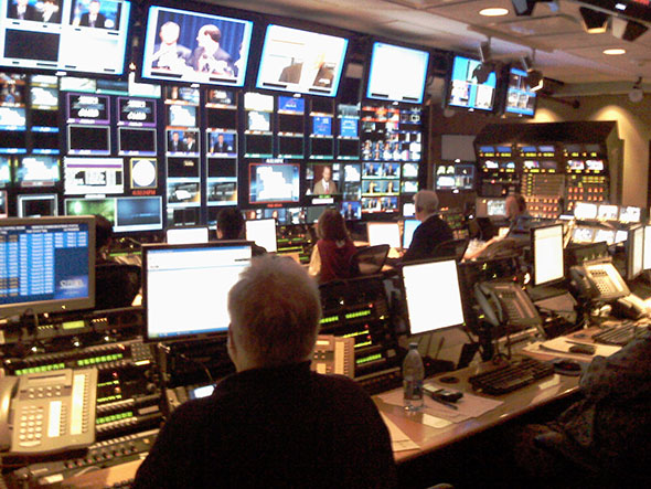 Sala de control maestro de Nightly News, de la cadena NBC.