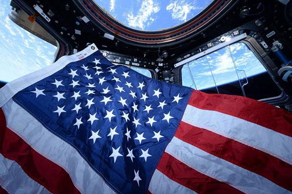 Bandera de EE.UU. en la Estación Espacial Internacional.
