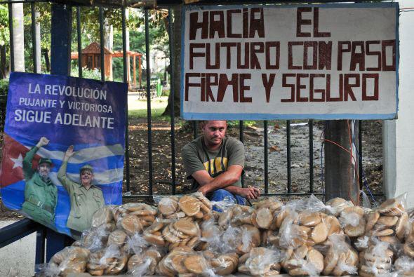 Cubano vendiendo en las calles...