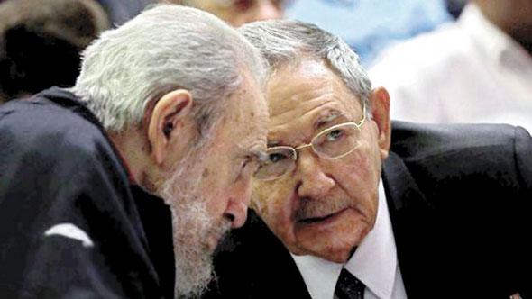 Fidel y Raúl Castro...