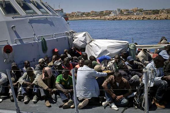 Inmigrantes africanos en Europa...