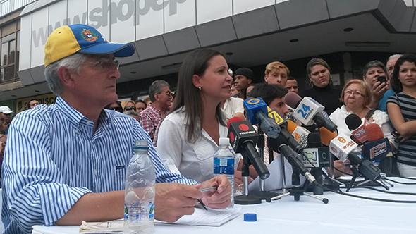 Antonio Ledezma, Maria Corina Machado y otros líderes de la oposición venezolana.