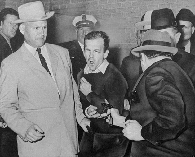 Jack Ruby disparando contra Lee Harvey Oswald