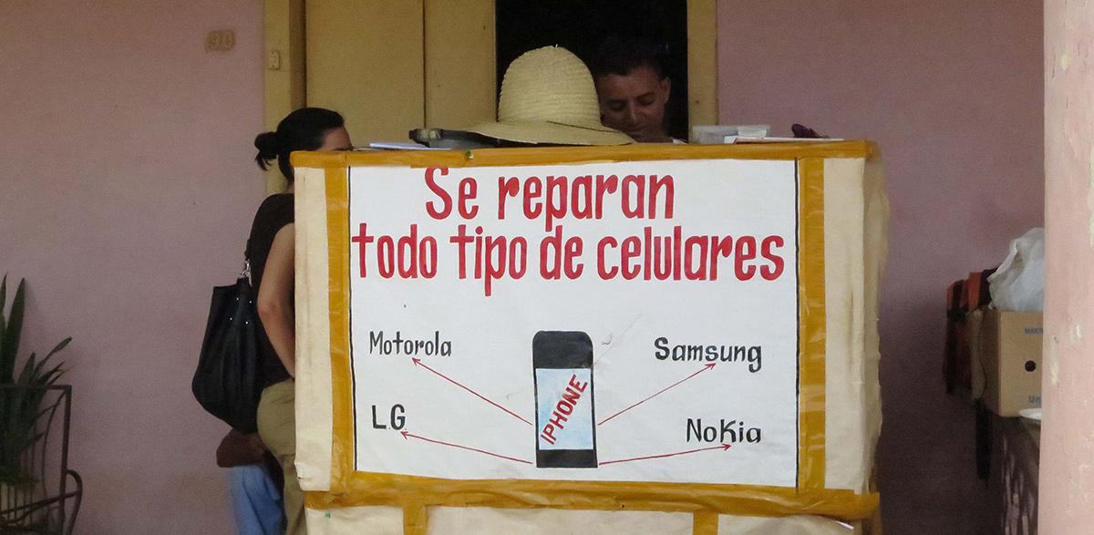 Promoción de un cuentapropista cubano...
