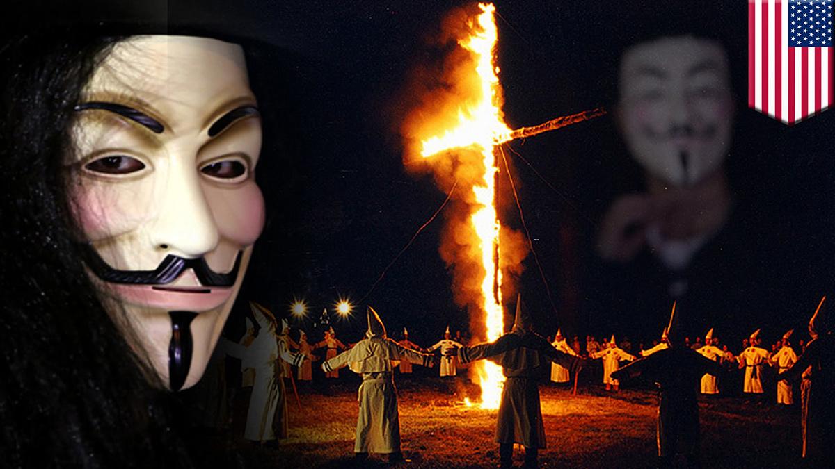 Manifestación del Ku Klux Klan.