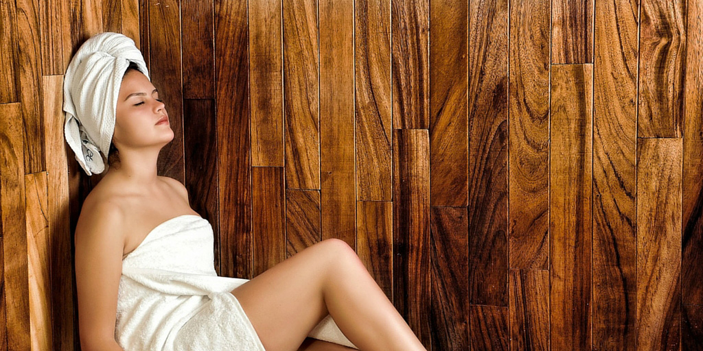 Modelo en un Sauna...
