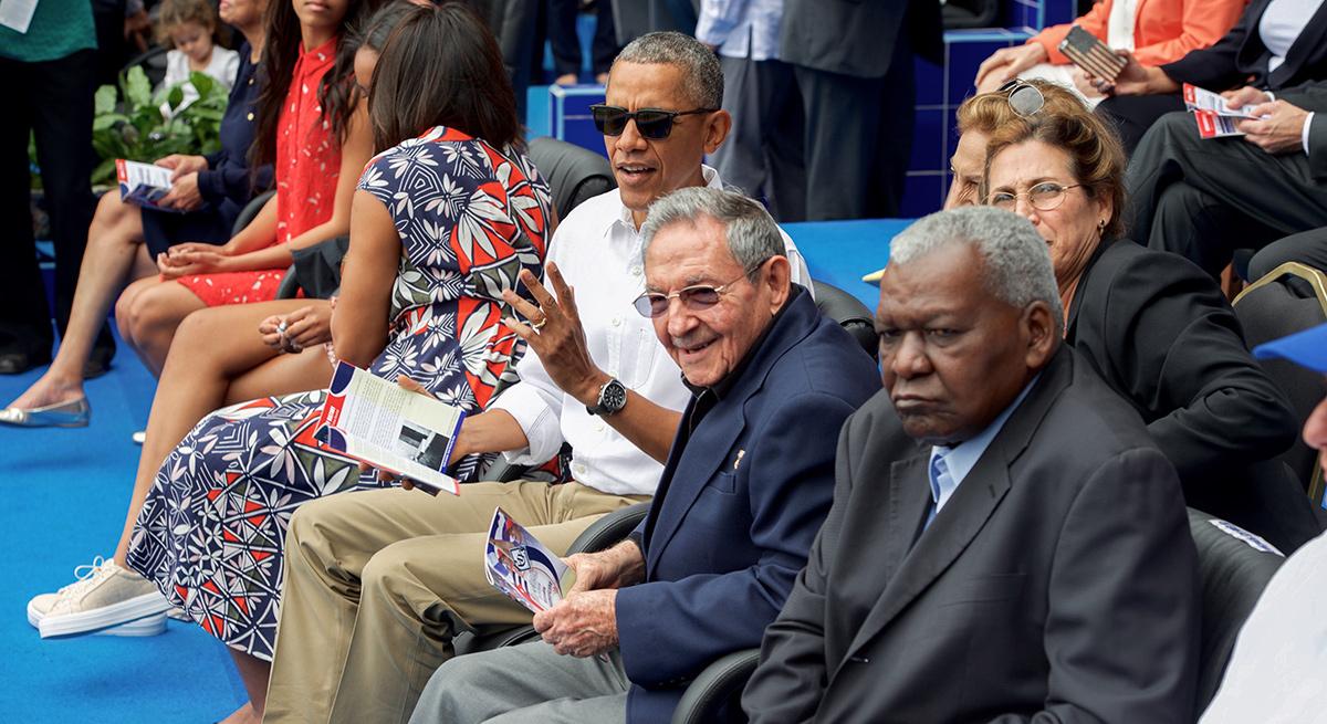 Barack Obama con Raúl Castro...