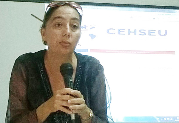 Dra. Olga Rosa González...
